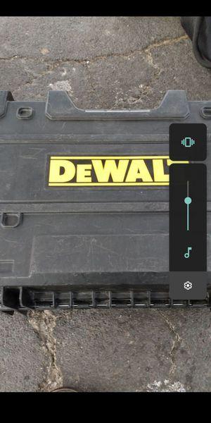 DEWALT 2 SPOT CROSS LINE LASER for Sale in San Jose, CA