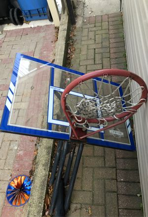 Basketball hoop for Sale in Bedford Park, IL