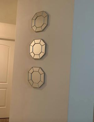Mirrored wall decor for Sale in Houston, TX
