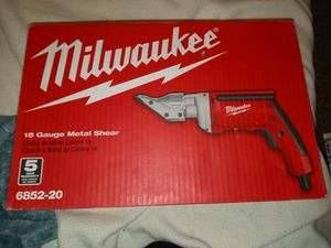 Milwaukee 18 gauge metal shear for Sale in Kansas City, MO