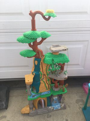 The Lion King playhouse for Sale in Norwalk, CA