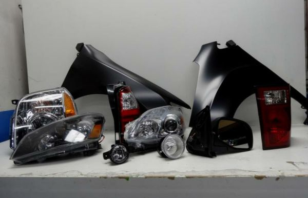 Headlights Corner lamps Tail Lamps for all Make and Models