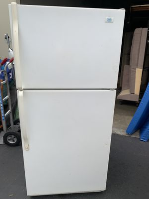Roper Refrigerator clean and good in working condition for Sale in Santa Ana, CA