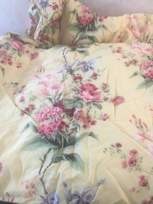 Full size comforter for Sale in Wilmington, NC