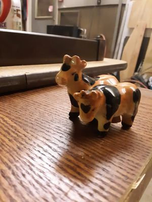 Cows & Wagon S&P Shakers for Sale in Three Rivers, MI