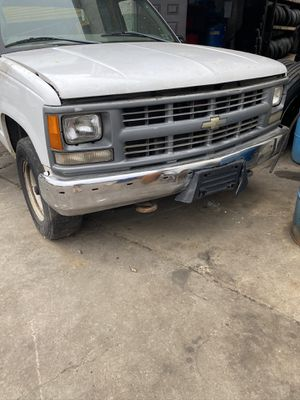 PARTS 1998 Chevy truck 2500 Cheyenne series cab and a half for Sale in Ogden, PA
