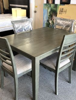 Dining room table set for Sale in Glendora,  CA