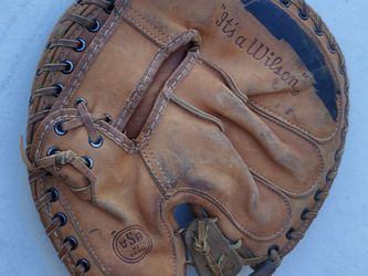 Vintage wilson catchers mitt baseball glove for Sale in Las Vegas,  NV