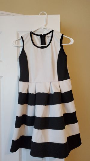 Black and white occasional Knit works dress! for Sale in Hilliard, OH