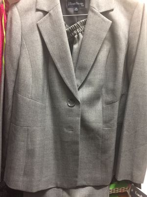 Brand New Women's Business Suit for Sale in San Antonio, TX