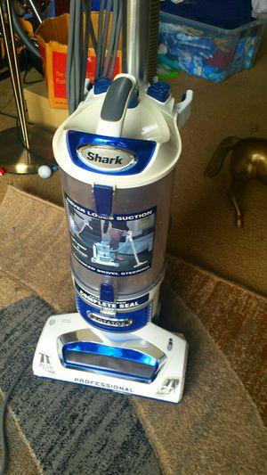 Blue Shark Professional Rotating Vacuum for Sale in Fairfax, VA