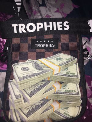Trophies cross body bag for Sale in Los Angeles, CA