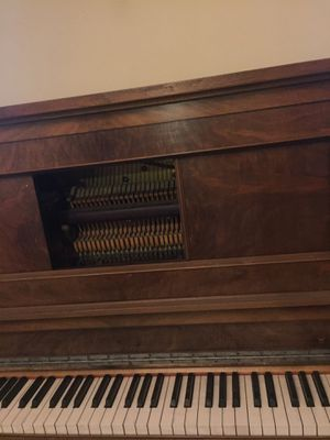 FREE Stand up Piano - must pick up for Sale in Berkeley, CA