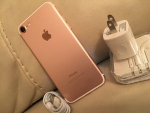 iPhone 7, 32GB - just like new, factory unlocked, clean IMEI for Sale in Springfield, VA
