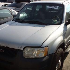 2003 Ford Escape -PARTS TRUCK. for Sale in Philadelphia, PA