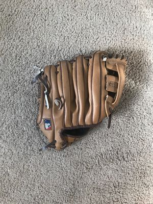 Baseball glove for Sale in Lewisville, TX