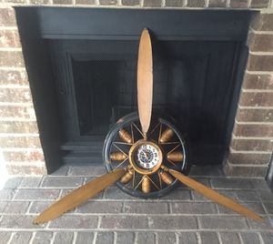 Vintage Propeller Antique Clock for Sale in Charlotte, NC