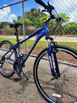 (700c tire size) (MEDIUM SIZE FRAME) Schwinn Trail way road hybrid bike . 21 speed actually is like new 🚲 for Sale in Tampa, FL