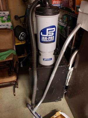 Pro Janitorial vacuum (no bags) for Sale in San Diego, CA