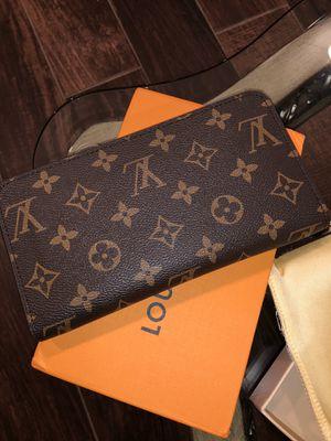 Louis Vuitton Zippy Wallet for Sale in Chicago, IL