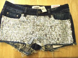 New Victoria secret size 4 for Sale in Los Angeles, CA