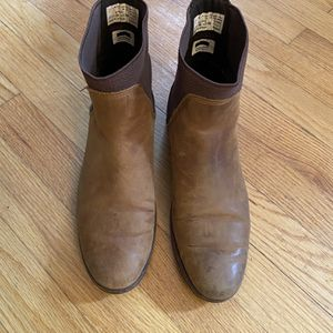 Nordstrom Leather Chelsea Boots Women 7 (tight Fitting) for Sale in Burlington, NC