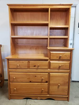 Crib and Dresser Set for Sale in Hemet, CA