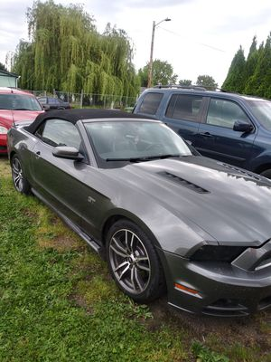 Ford mustang gt 2010 5spd for Sale in Gervais, OR