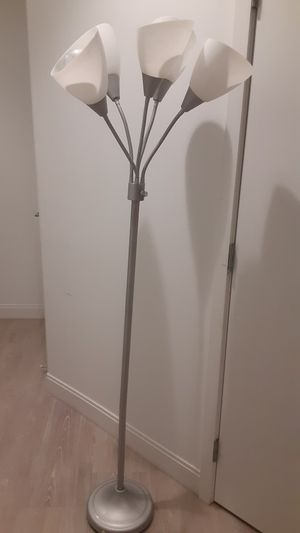 5 bulb floor lamp for Sale in Boston, MA