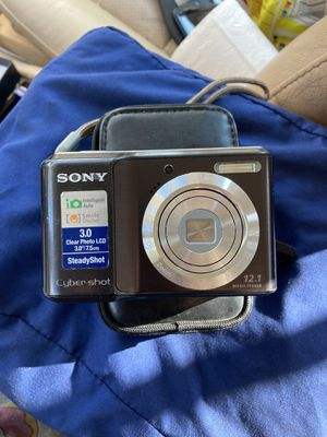 Sony digital camera with (Case) and (charger) for Sale in Moreno Valley, CA