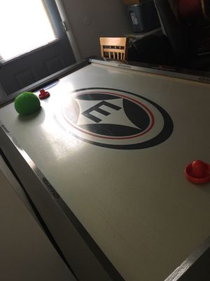 Air hockey table for Sale in Port St. Lucie, FL