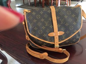 Louis Vuitton Saumur PM Messenger Bag for Sale in Chula Vista, CA