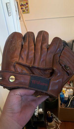 Vintage Wilson baseball glove for Sale in Mesa, AZ