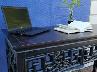 Black Lacquer Side Table W/red Undertones for Sale in Los Angeles,  CA