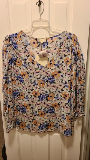 Womens floral top for Sale in Newport News, VA