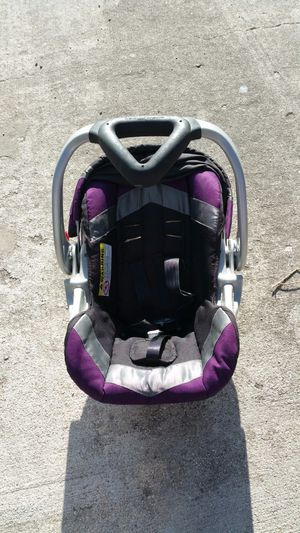 Infant car seat/base. for Sale in Colonial Heights, VA