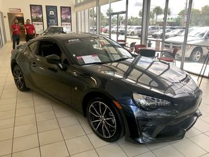 Toyota 86 2017, Automatic, Only 3k miles, Better than New!! for Sale in Winter Park, FL