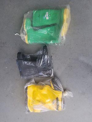 Rain boots for Sale in Compton, CA