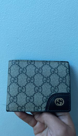 Gucci Wallet for Sale in Lithia Springs, GA