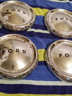 """Vintage Ford 14"""" center Caps for Sale in Everett,  WA"""