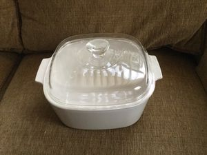 """Corningware 10"""" 5 Ltr..white casserole dish with lid for Sale in Indian Rocks Beach, FL"""