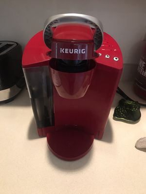 Keurig coffee maker for Sale in Fairburn, GA