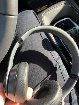 Beats solo 3 wireless for Sale in Ramona, CA