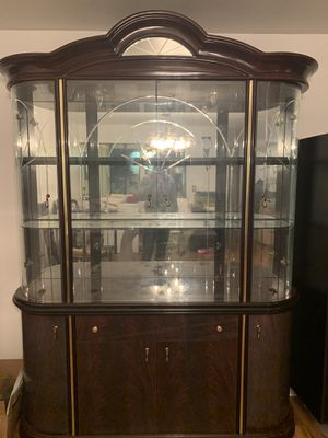 Antique China Cabinet for Sale in South Holland, IL
