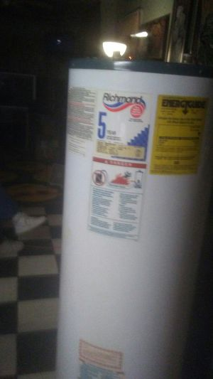 Richmond 40 gallon gas water heater for Sale in Fort Worth, TX