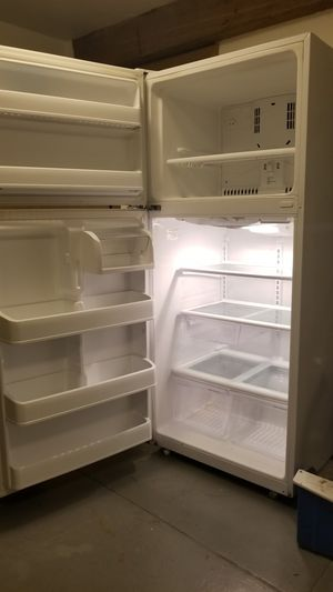 HOTPOINT Refrigerator for Sale in Seattle, WA