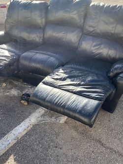Black Sofa And Loveseat for Sale in North Attleborough,  MA