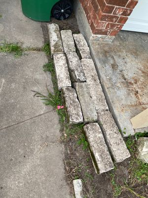 Stones & L shaped concrete blocks for Sale in Houston, TX