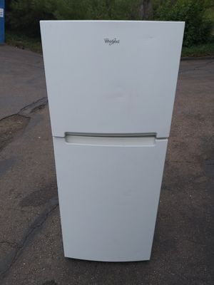 Whirlpool refrigerator for Sale in San Diego, CA