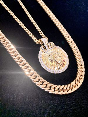 NEW LION KING DIAMONDS cz 18K GOLD NEW CHAIN NECKLACE MADE IN ITALY!! for Sale in Miami Beach, FL